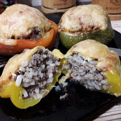 Фаршированный перец, запеченный в духовке (половинки) - рецепт с фото