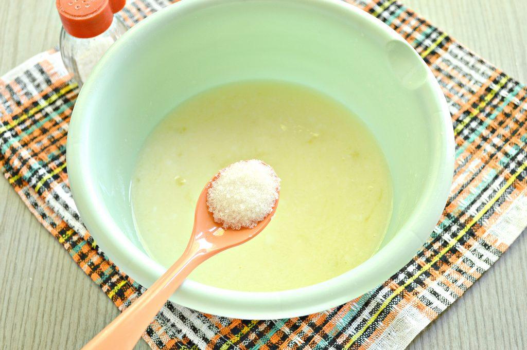 Фото рецепта - Тесто для вареников на кислом молоке - шаг 3