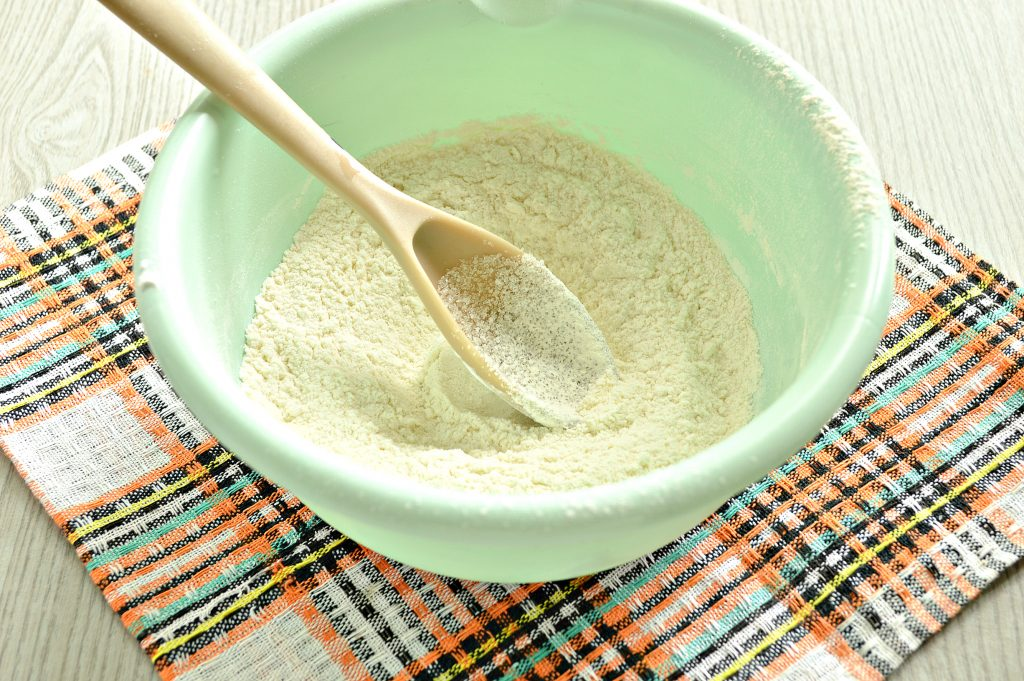 Фото рецепта - Блинчики без яиц на молоке (с крахмалом) - шаг 3