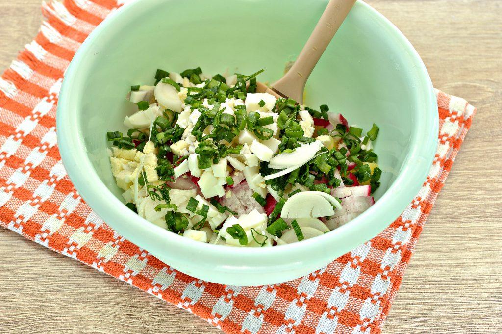 Фото рецепта - Салат с редиской и картофелем - шаг 4