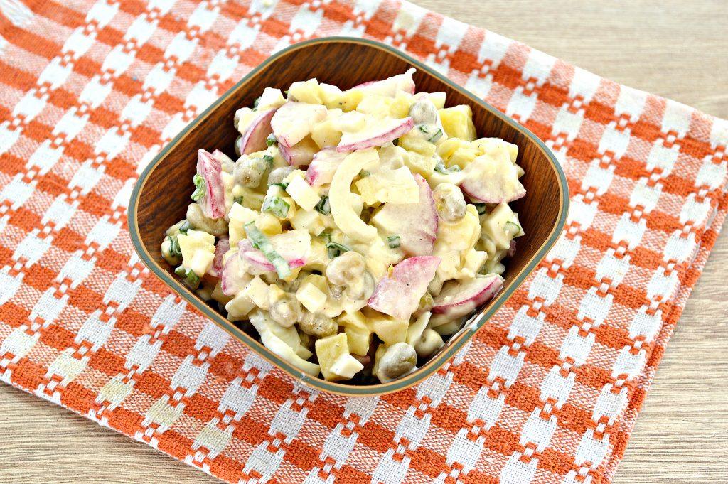 Фото рецепта - Салат с редиской и картофелем - шаг 7