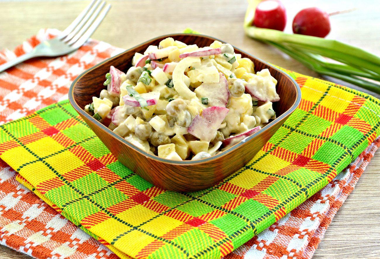 Салат с редиской и картофелем