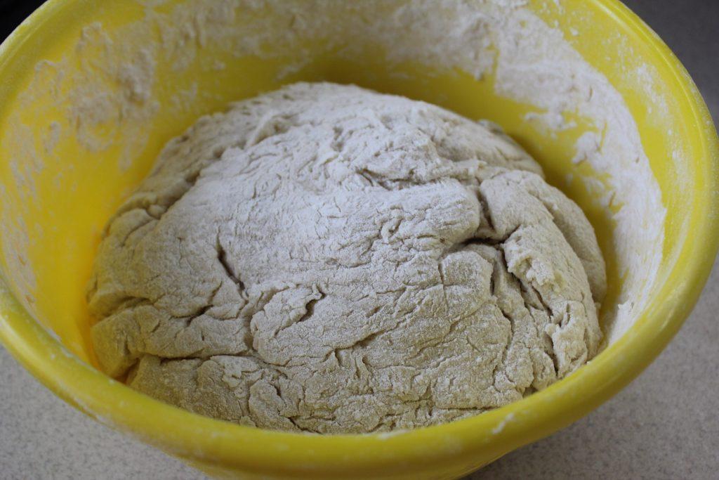 Фото рецепта - Чесночный хлеб к томатному супу или борщу - шаг 1