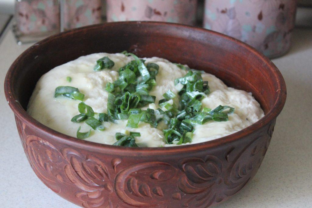 Фото рецепта - Чесночный хлеб к томатному супу или борщу - шаг 4