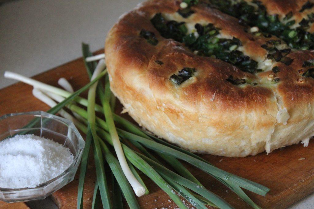 Фото рецепта - Чесночный хлеб к томатному супу или борщу - шаг 6