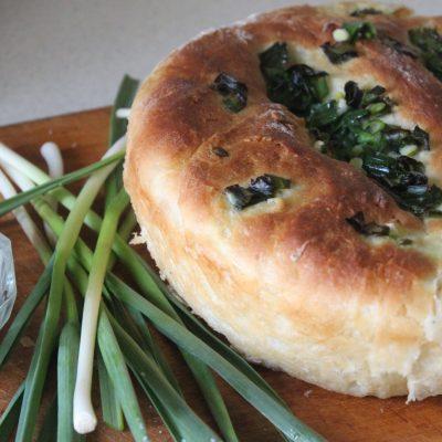 Чесночный хлеб к томатному супу или борщу - рецепт с фото