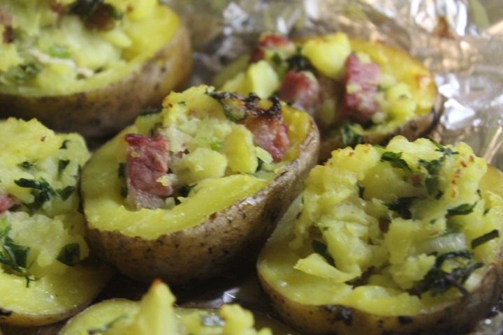 Фаршированный картофель с копченостями