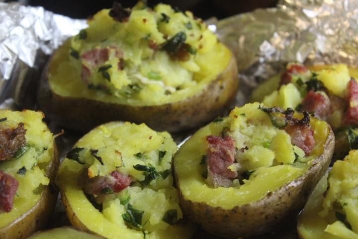 Фото рецепта - Фаршированный картофель с копченостями - шаг 7