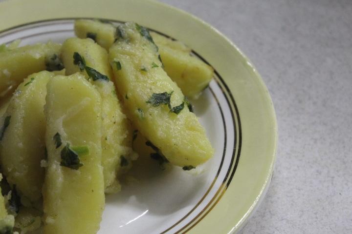 Фото рецепта - Картофельный салат с зеленью - шаг 6