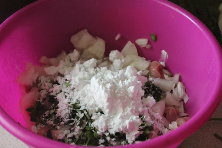 Фото рецепта - Рубленые котлеты с зеленью и луком - шаг 4