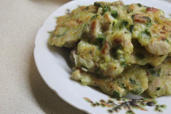 Фото рецепта - Рубленые котлеты с зеленью и луком - шаг 9