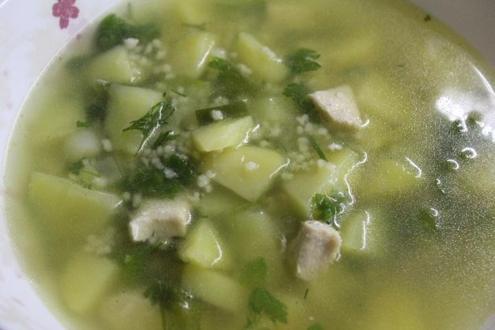 Нежный сливочный суп с кускусом и грудкой