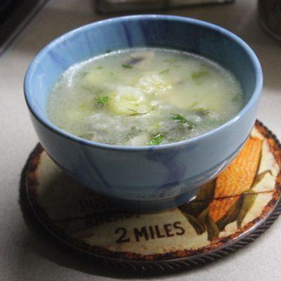 Суп с курицей, шпинатом и рисом - рецепт с фото