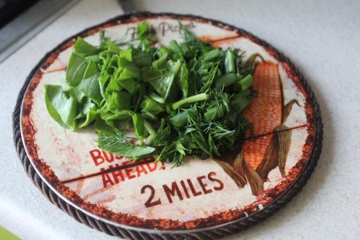 Фото рецепта - Картофельное пюре со шпинатом и зеленым луком - шаг 2