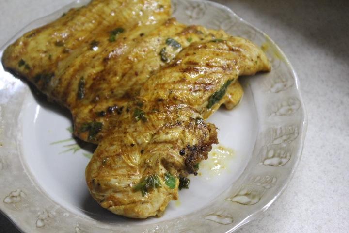 Фото рецепта - Куриная грудка на гриле в лимонном маринаде - шаг 6