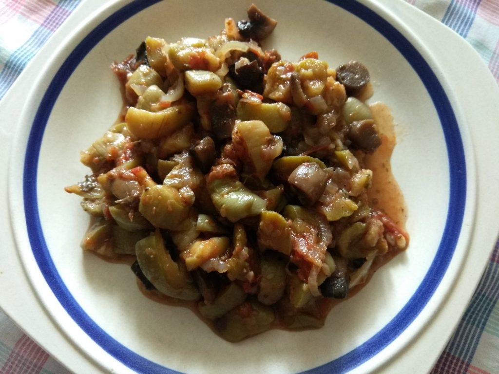 Фото рецепта - Постное рагу из кабачков и шампиньонов - шаг 6