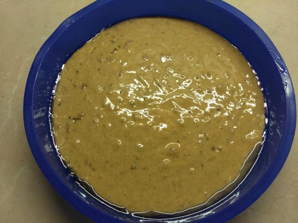 Фото рецепта - Кекс на кефире с боярышником - шаг 4