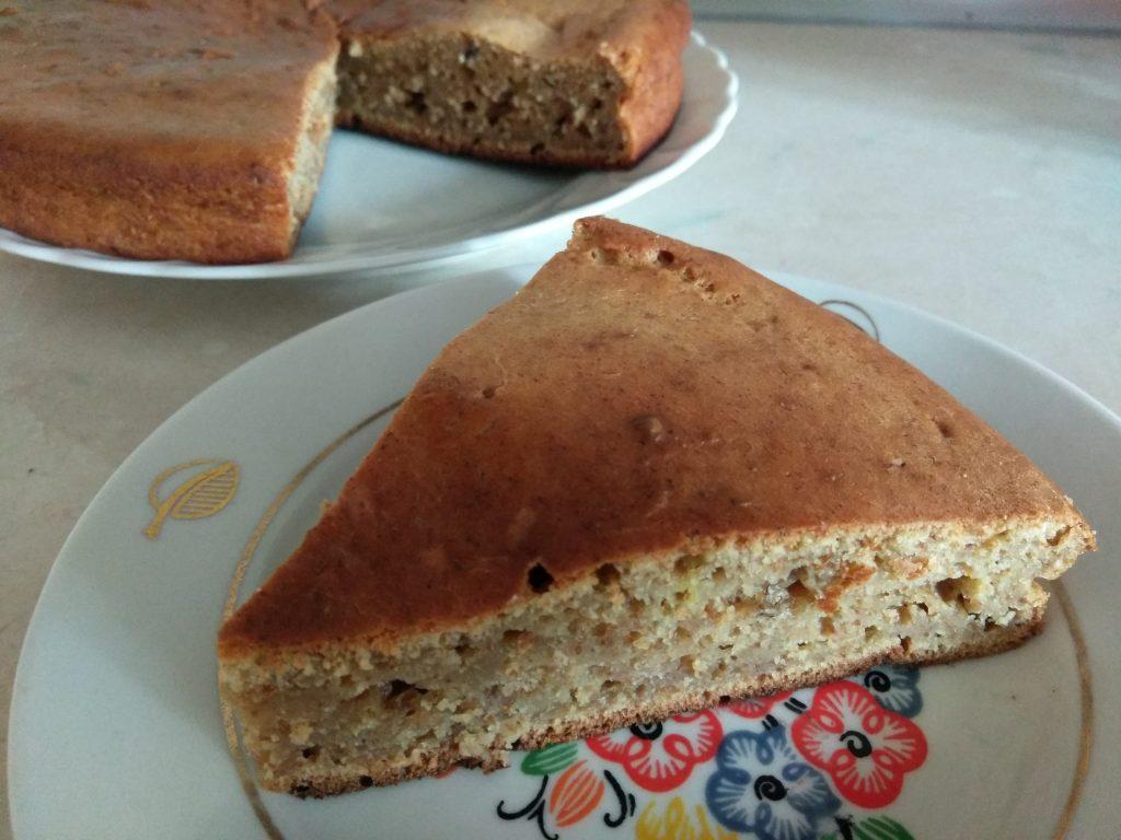 Фото рецепта - Кекс на кефире с боярышником - шаг 6