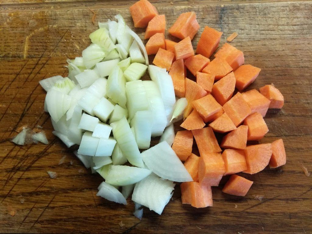 Фото рецепта - Суп-пюре из гороха с мясным фаршем - шаг 2