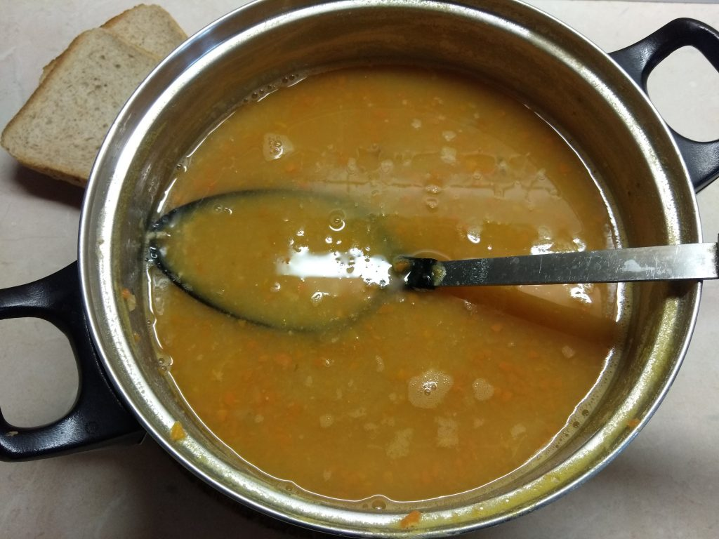 Фото рецепта - Суп-пюре из гороха с мясным фаршем - шаг 4