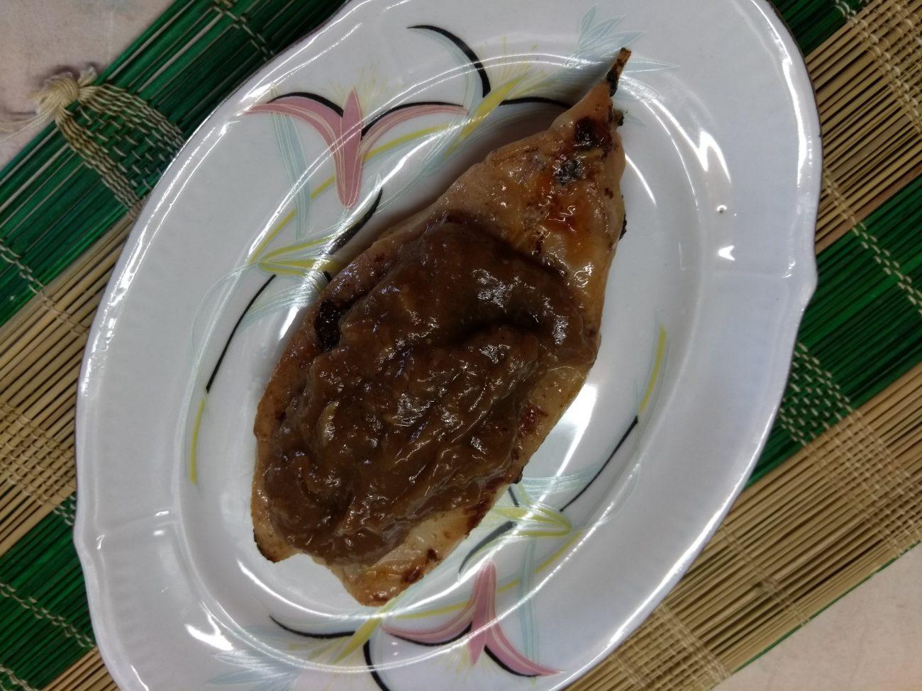 Жареные стейки зубатки в имбирно-соевом маринаде