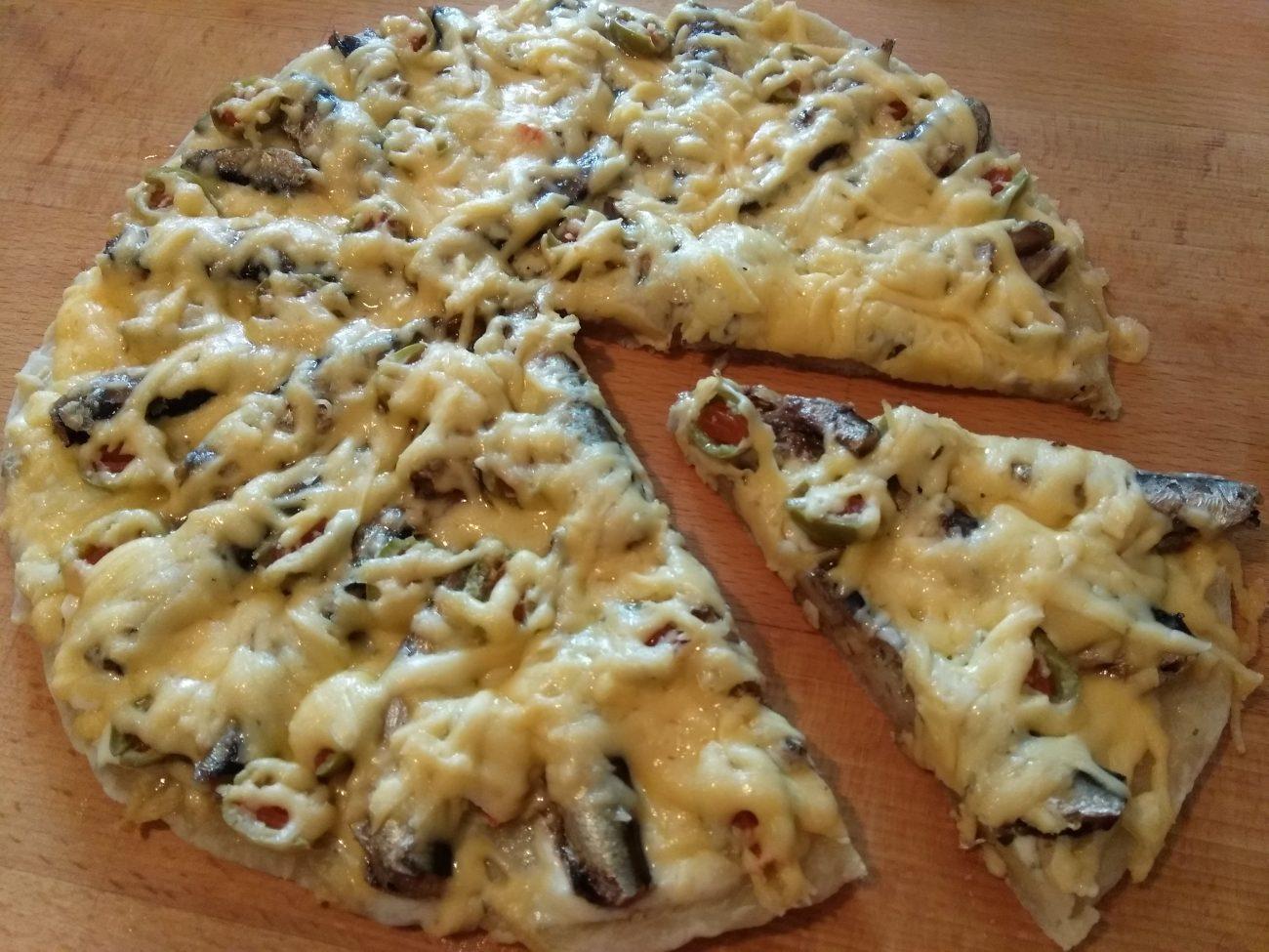 Пицца в прибалтийском стиле, со шпротами