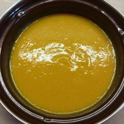 Фото рецепта - Крем-суп из цветной капусты с куркумой - шаг 3