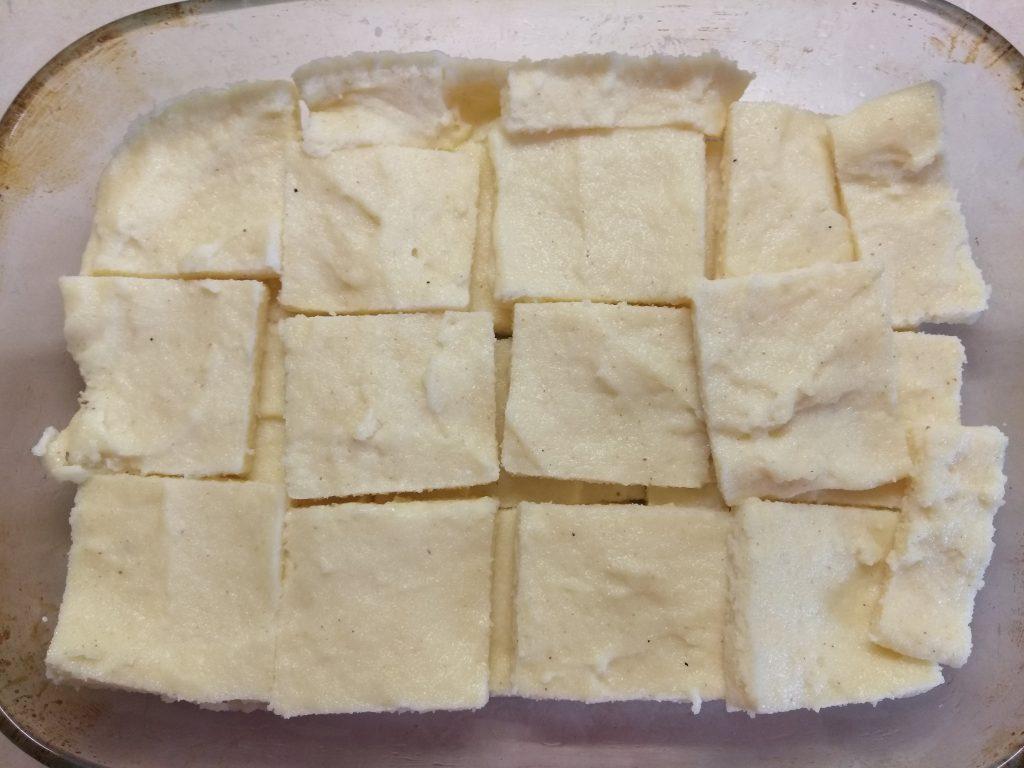 Фото рецепта - Манные ньокки под соусом из сыра Горгонзолла - шаг 3