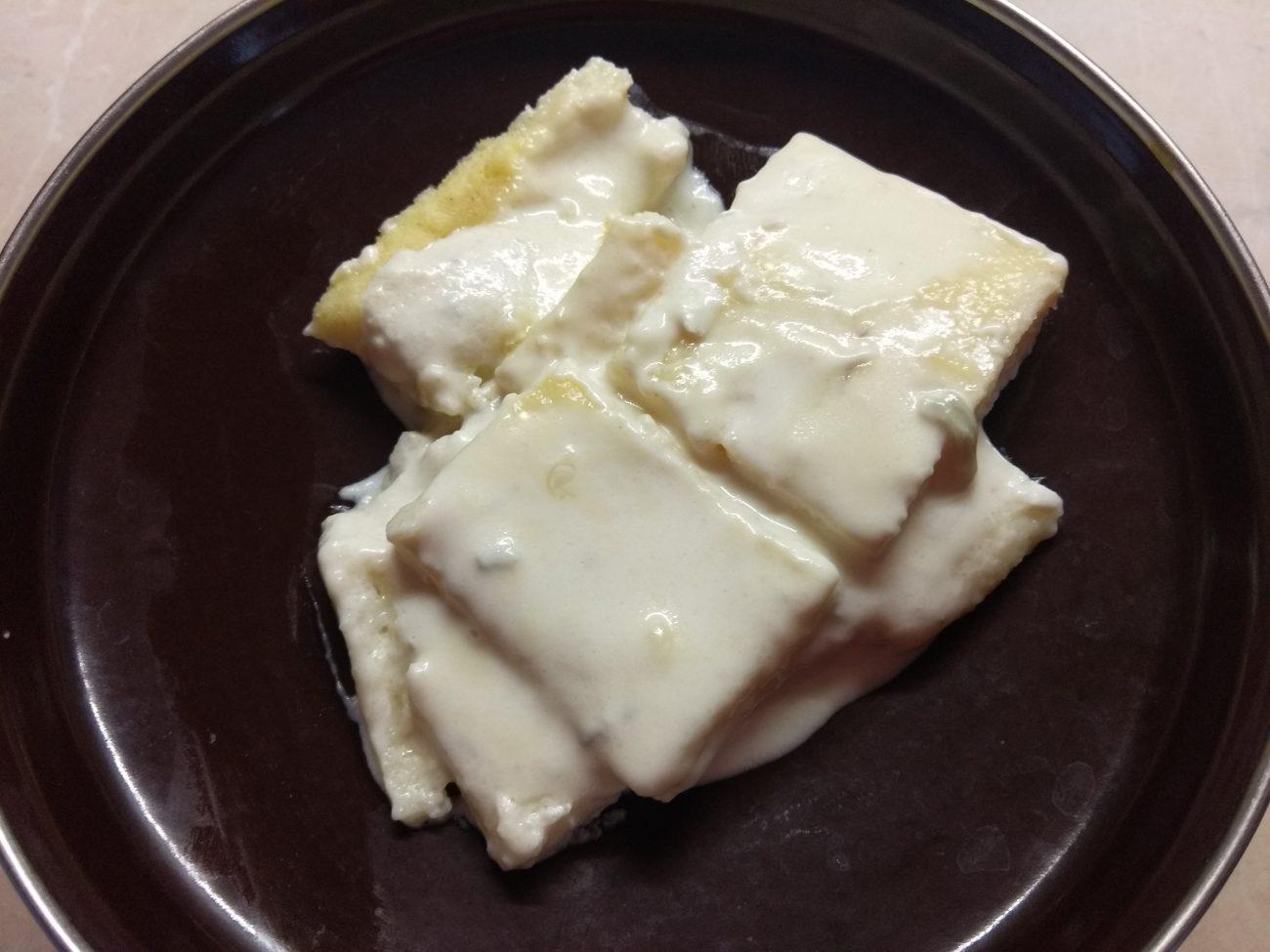 Манные ньокки под соусом из сыра Горгонзолла