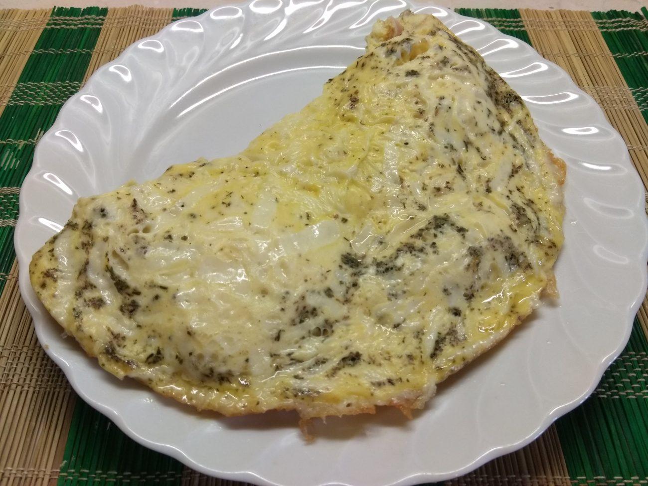 Омлет с куриным балыком под сырной шапкой