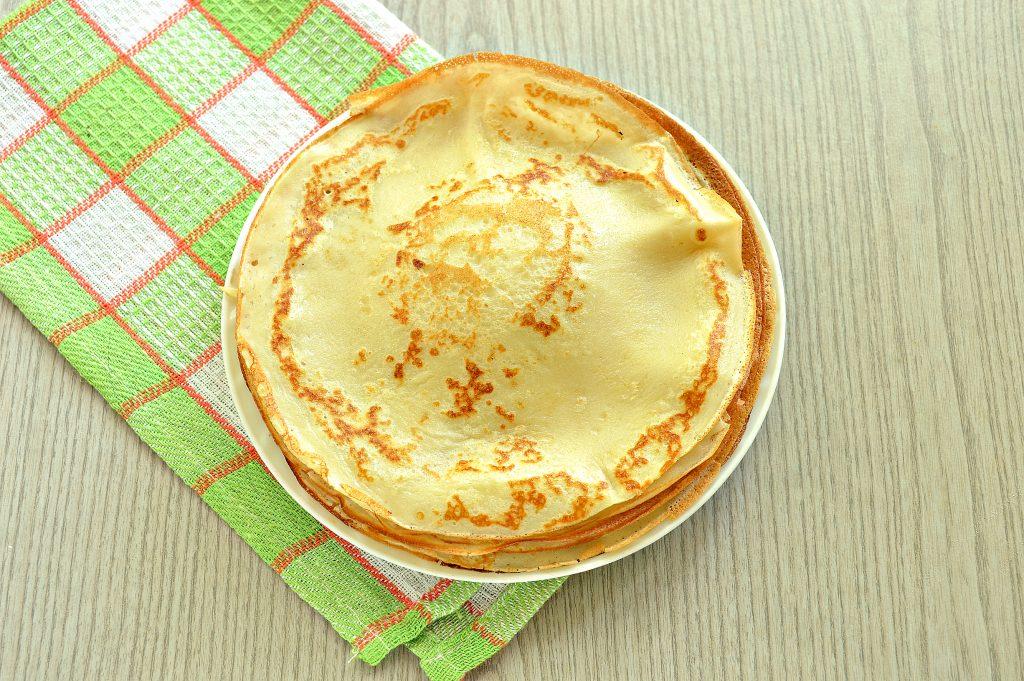 Фото рецепта - Заварные блинчики на скисшем молоке и кипятке - шаг 9