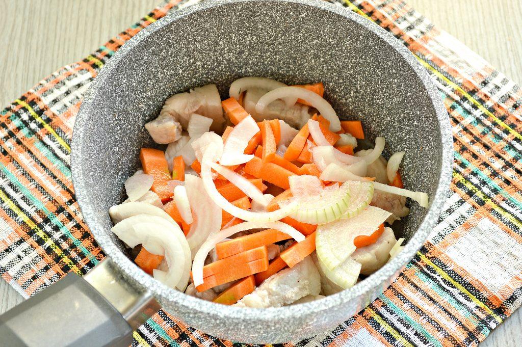 Фото рецепта - Овощное рагу со свининой - шаг 2