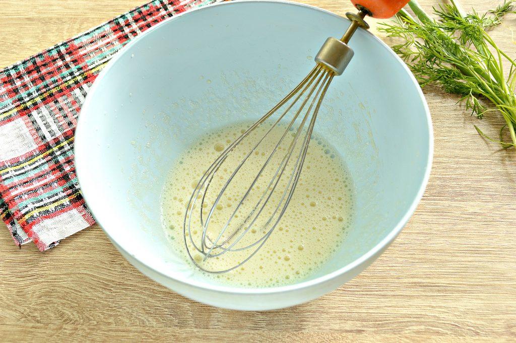 Фото рецепта - Блинчики на молоке с зеленью - шаг 2