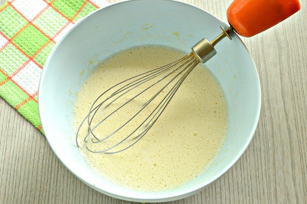 Фото рецепта - Заварные блинчики на скисшем молоке и кипятке - шаг 3