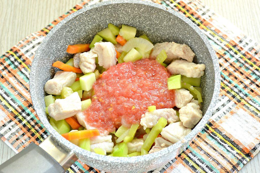 Фото рецепта - Овощное рагу со свининой - шаг 4