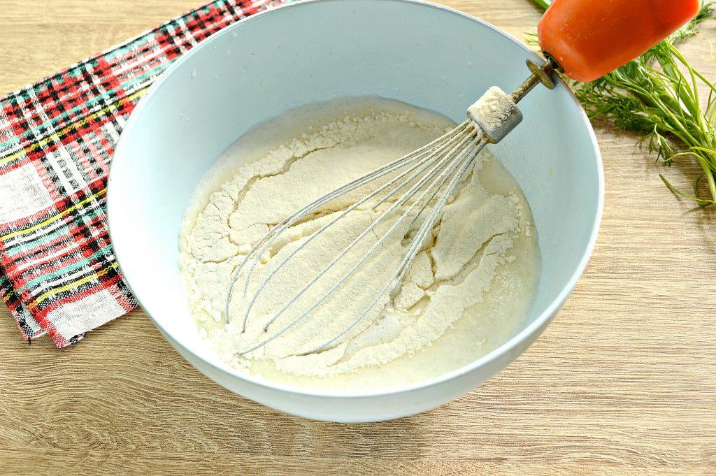 Фото рецепта - Блинчики на молоке с зеленью - шаг 4