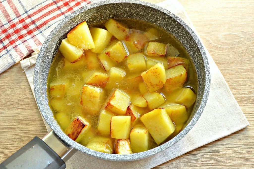 Фото рецепта - Курица, тушенная с кабачками и картофелем - шаг 5
