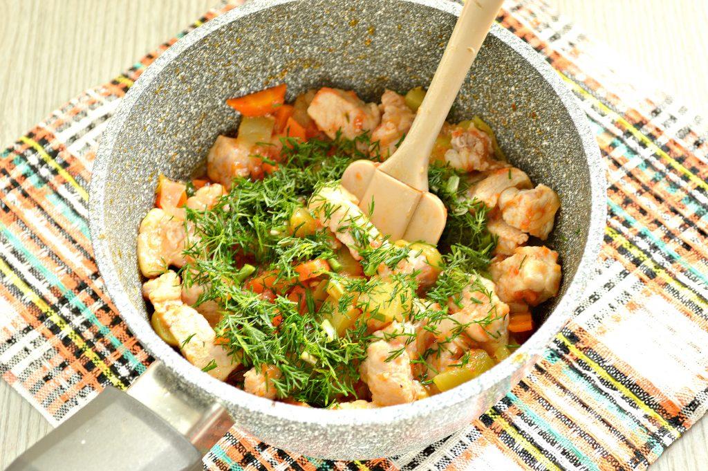 Фото рецепта - Овощное рагу со свининой - шаг 5