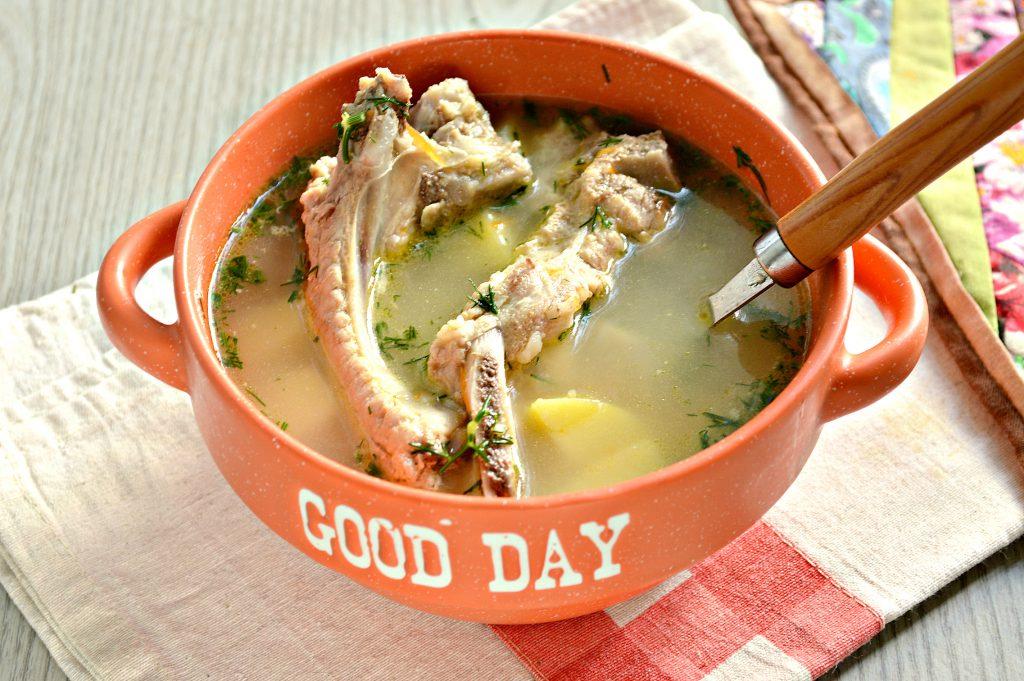 Фото рецепта - Ароматный картофельный суп со свиными ребрышками - шаг 5