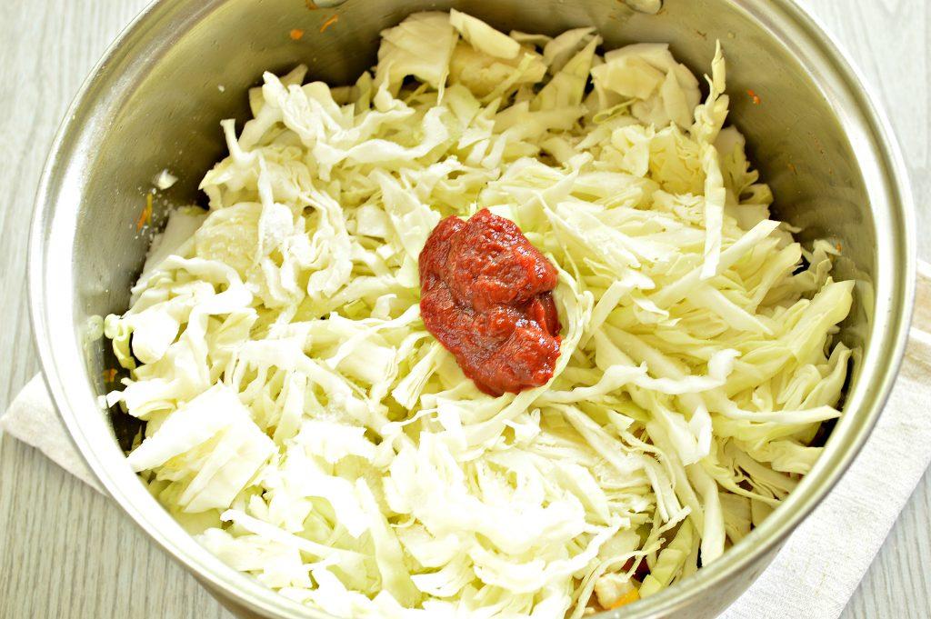 Фото рецепта - Рагу из куриной грудки с кабачками и капустой - шаг 5