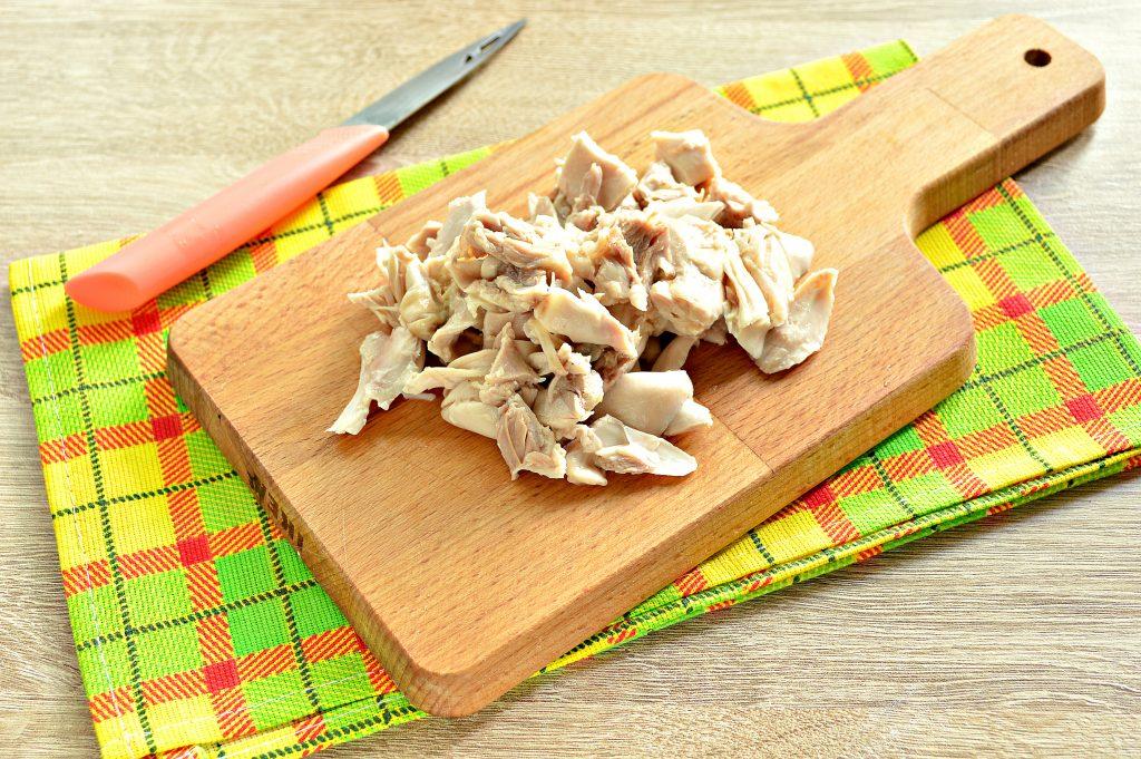 Фото рецепта - Овощной суп с молодой капустой и курицей - шаг 5