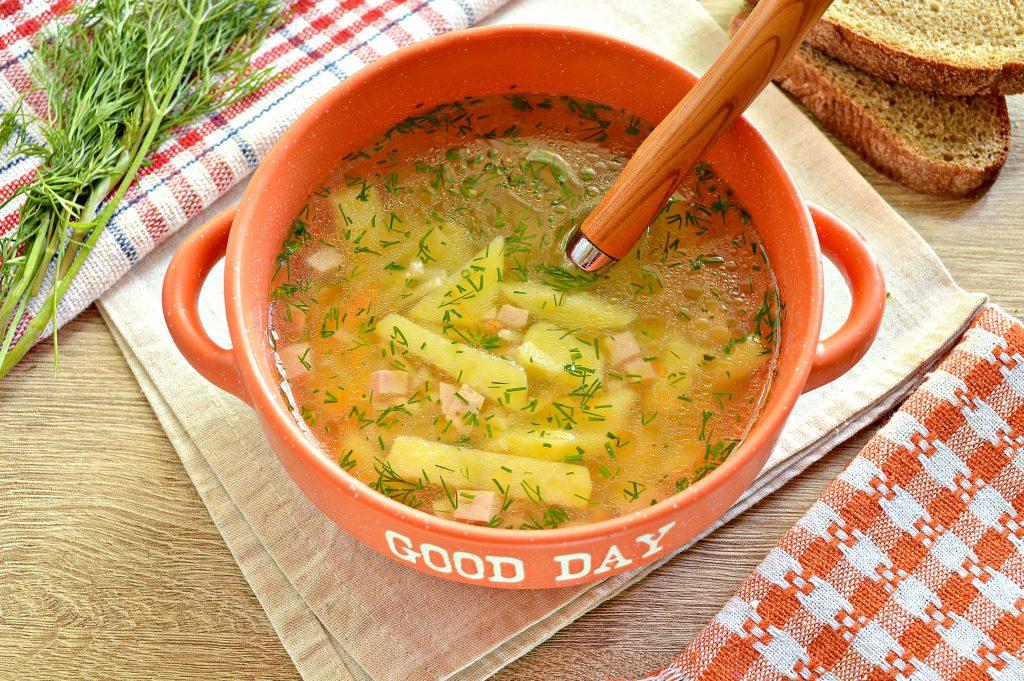 Фото рецепта - Вермишелевый суп с колбасой - шаг 6
