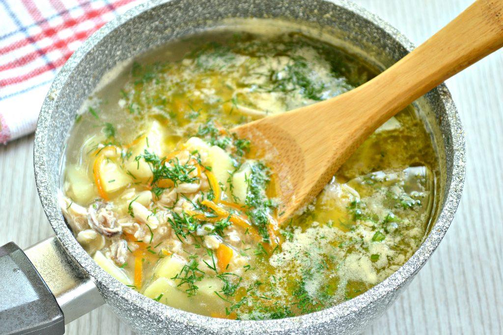 Фото рецепта - Куриный суп с овсяными хлопьями - шаг 6