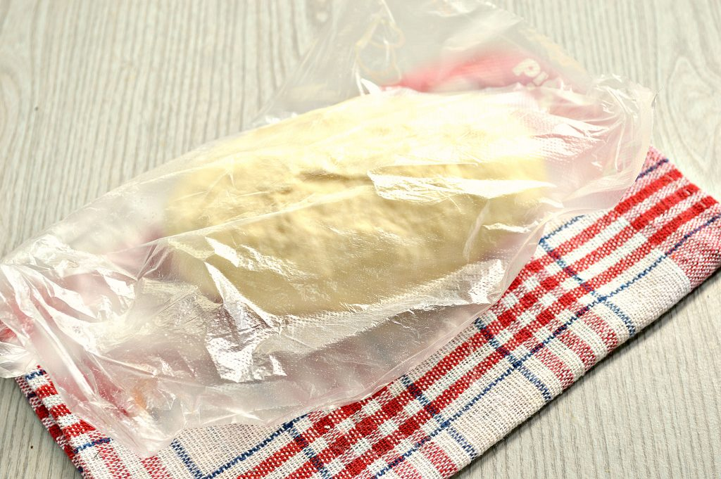 Фото рецепта - Чебуреки с мясной начинкой на заварном тесте - шаг 6