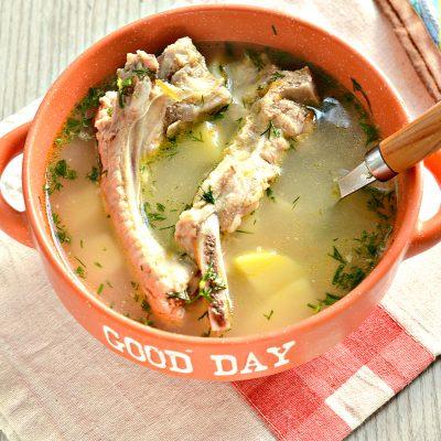 Ароматный картофельный суп со свиными ребрышками - рецепт с фото