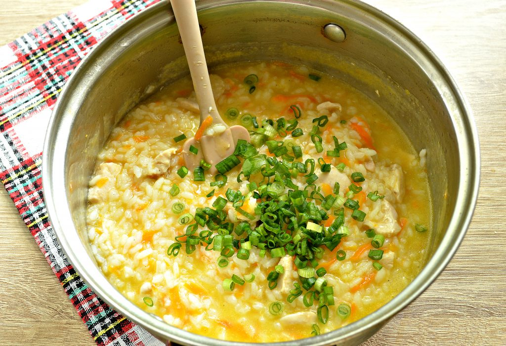 Фото рецепта - Рисовая каша с курицей - шаг 6
