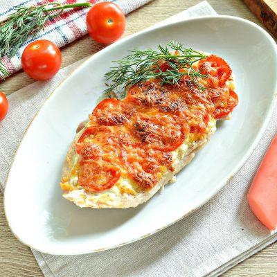 Отбивная из куриной грудки в духовке с сыром и черри - рецепт с фото