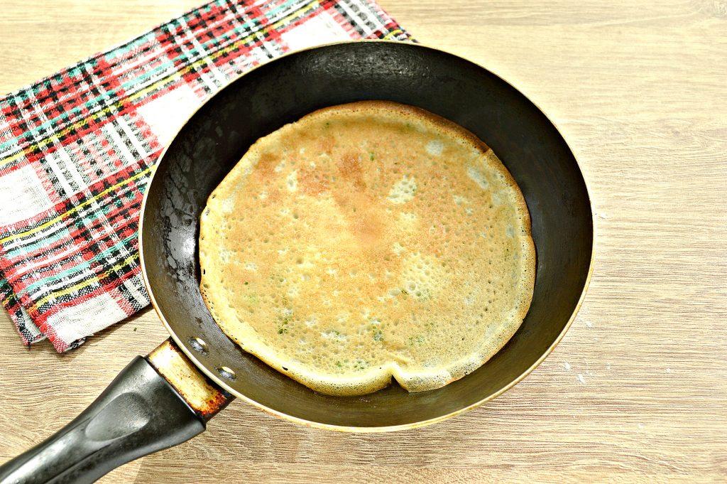 Фото рецепта - Блинчики на молоке с зеленью - шаг 7