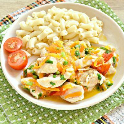 Куриная грудка, тушенная с черри и овощами - рецепт с фото