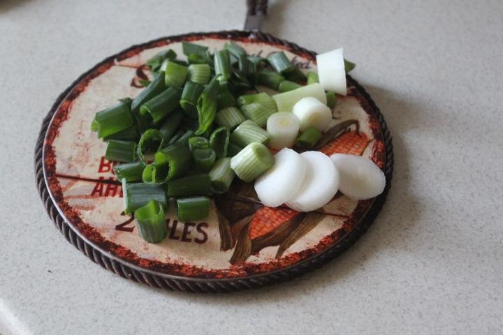 Фото рецепта - Суп с горбушей и пшеном - шаг 5
